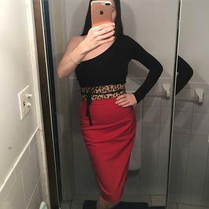 Zara woman red skirt